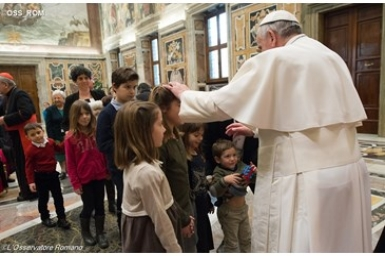 "Pope Encourages Lay Faithful to Be a ""Leaven of Christian Life"" for Big Cities"