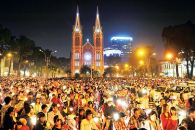 Christmas in Saigon: Catholic pastoral and social activities for the poor and needy