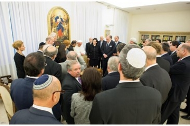 Pope Francis meets with Jewish leaders to mark Rosh Hashana