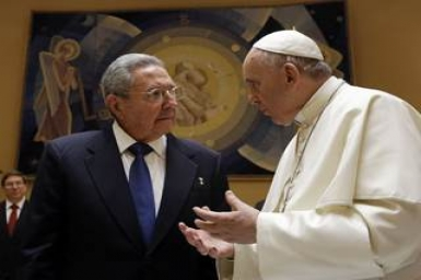 Pope Francis receives Raul Castro at Vatican
