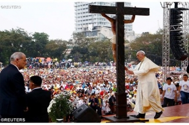 Pope tells youth in Manila: be surprised by God`s love