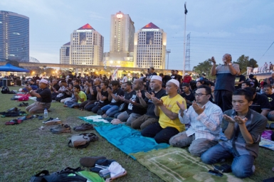 Malaysia court rules non-Muslims cannot use 'Allah'