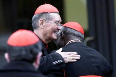 Opéré à Singapour, l'archevêque de Saigon semble bien se remettre de son intervention chirurgicale