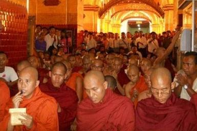 Myanmar: Buddhists pray for 'remaining prisoners'