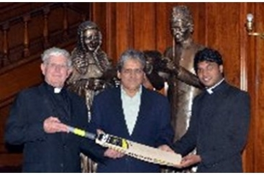 Pakistani governor gives gift to St Peter`s Cricket Club
