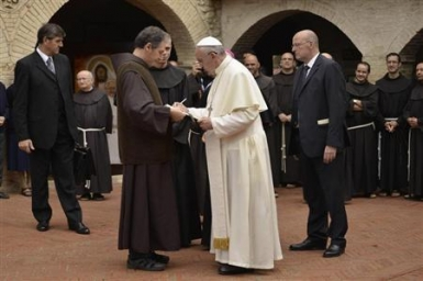 Pope in Assisi: May the Middle East and the world find the peace of the
