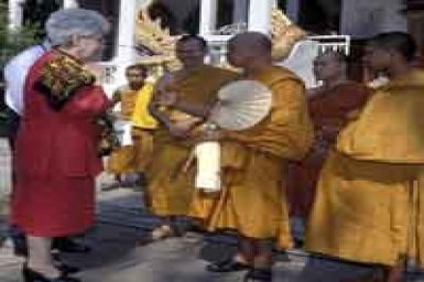 Maria Voce in Asia: in dialogue with Buddhists in Japan and Thailand