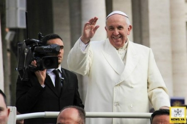 Book and DVD mark first anniversary of Francis` pontificate