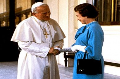 When Pope John Paul had tea with the Queen