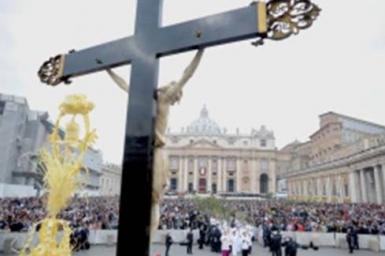 Pope Benedict XVI: Come Triduum the hour of Christ