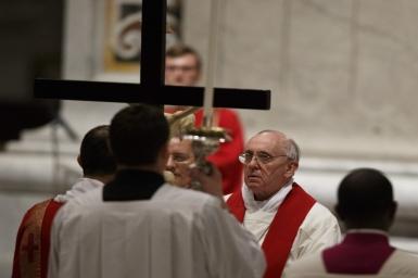 Papal Good Friday liturgy solemn, prayerful