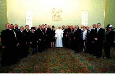 Pope Francis meets Jewish leaders