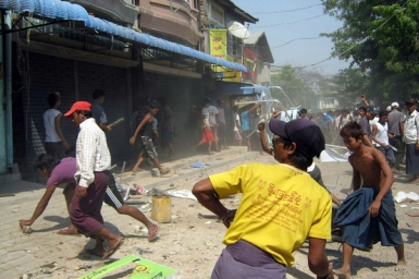 Myanmar: Yangon archbishop calls for ``peace and love``