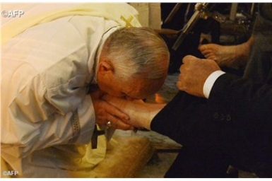Pope prepares to wash feet of inmates at Rebibbia prison