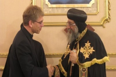 WCC general secretary assures Coptic church of support in meeting with Pope Tawadros II