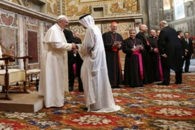 The Pope signs message for end of Ramadan