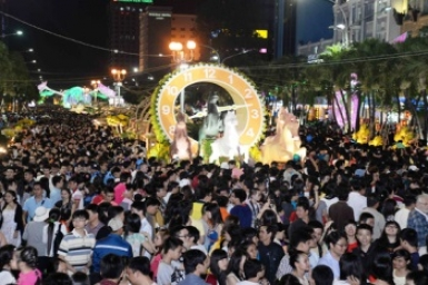 Saigon flower fests ready for Tet