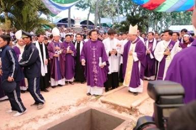 Décès de Mgr Paul Nguyên Thanh Hoan, évêque émérite de Phan Thiêt, apôtre des pauvres