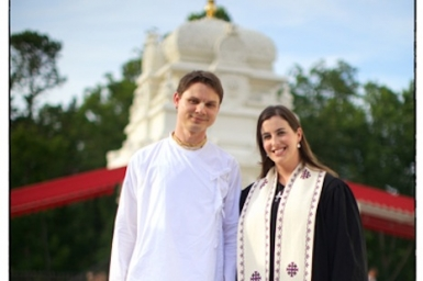 Christian-Hindu couple write `how-to` book on interfaith marriage