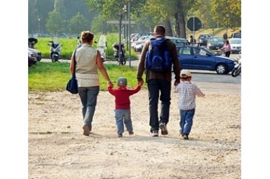 Communicating the family: a privileged place of encounter with the gift of love