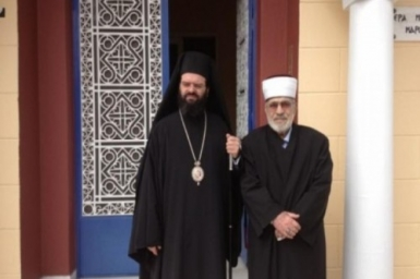 Greek Muslims and Christians Unite in Earthquake Relief Effort