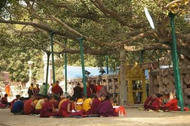 Christians and Buddhists meet in Bodh Gaya, India