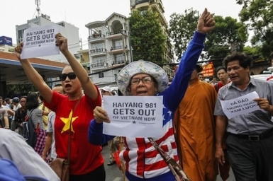 Thousands of Vietnam workers in anti-China protest