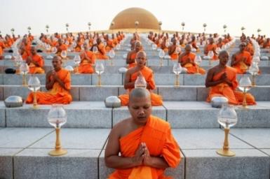 Thailand Celebrates Makha Bucha