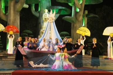 Le cardinal Filoni confie l'évangélisation du Vietnam à la Notre-Dame de La Vang