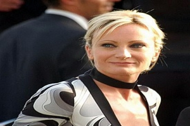 Renowned French singer Patricia Kaas visits Vietnam after 20 years