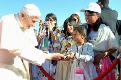 Pope: Peace, the secret to a child`s smile
