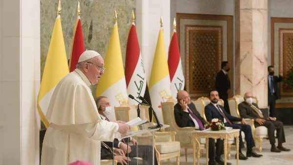 Pope urges Iraqi authorities to rebuild society on fraternal solidarity