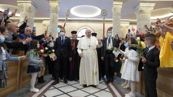 Pope encourages Qaraqosh Iraqi faithful to rebuild the bonds of community