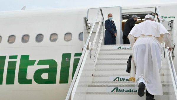 Messages of peace and blessing: Papal telegrams from flight to Iraq