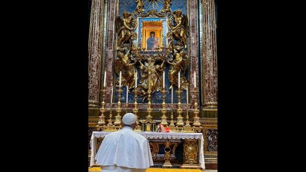 Pope Francis entrusts Iraq visit to protection of Our Lady