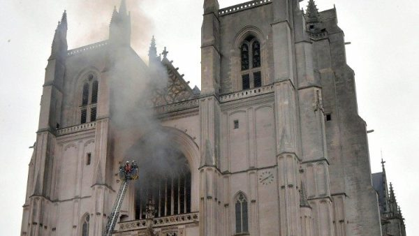 Fire damages France`s ``Gothic Jewel`` Cathedral in Nantes