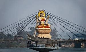 The Ganges: Hinduism`s Holy River Why the Ganges Is Considered Sacred