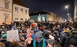 Poland's bishops call for dialogue with protesters