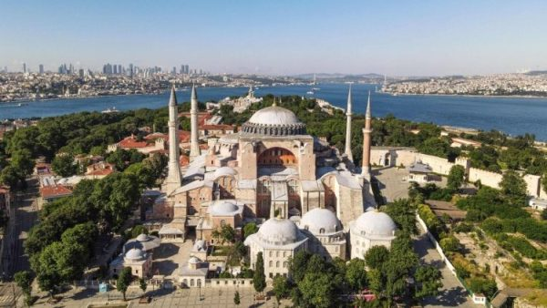 Turkey: Hagia Sophia Basilica to become mosque