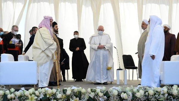 Pope urges Abrahamic religions to pursue path of peace in Iraq