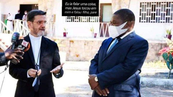President Nyusi meets Mozambique's Bishop of Pemba.