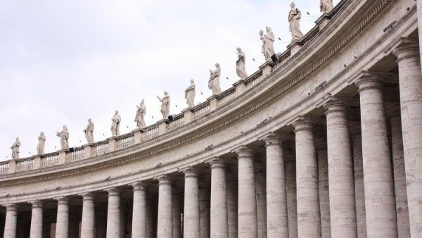 Regulations published regarding public contracts with Vatican