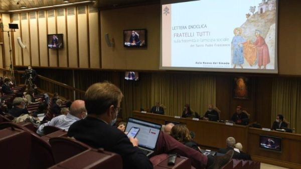 Pope hopes `Fratelli tutti` in Russian will help promote fraternity