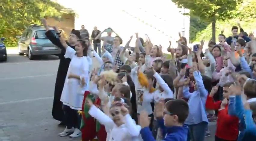 Flashmob con motivo de Holywins 2016