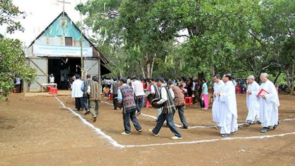Vietnamese diocese marks bishop's first visit 350 years ago