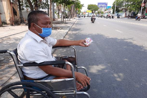 Covid-19 lockdown shows no mercy to Vietnam`s poor