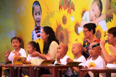 Tens of thousands attend charity event to support children with cancer in Vietnam