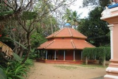 Reflections on the Simplicity of the Ashrams: A Visit to Shantivanam and the Mauna Mandir