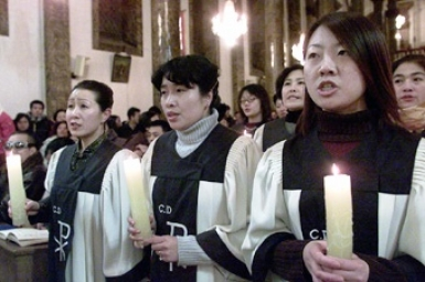 CHINA - At Easter more than 22 000 baptisms were administered in the continental Catholic community