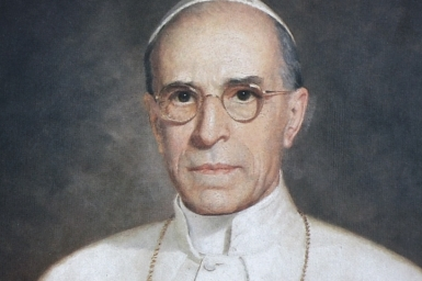 Pope Francis mulls sainthood for Pius XII before beatification